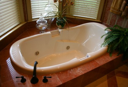 Bathtub plumbing in Des Moines WA by All About Rooter LLC